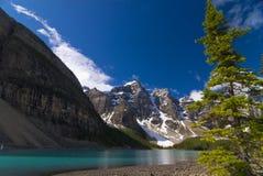 Het Meer van de morene in Banff Nationaal Park, Canada stock afbeelding