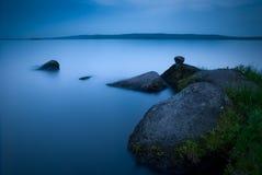 Het meer van de nacht Royalty-vrije Stock Foto's