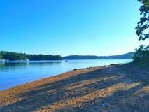 Het meer van de ochtend Stock Afbeeldingen