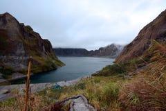 Het Meer van de Pinatubokrater Stock Afbeeldingen