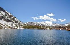 Het meer van de spiegel Stock Afbeelding
