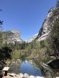 Het Meer van de spiegel bij Nationaal Park Yosemite stock foto