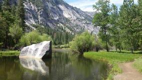 Het Meer van de spiegel in Yosemite Stock Foto's