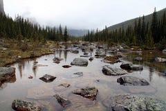 Het meer van de troost ine de rotsachtige bergen Canada Royalty-vrije Stock Foto
