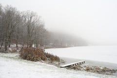 Het meer van de winter royalty-vrije stock afbeeldingen