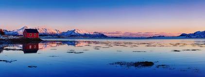 Het meer van de winternoorwegen Stock Fotografie