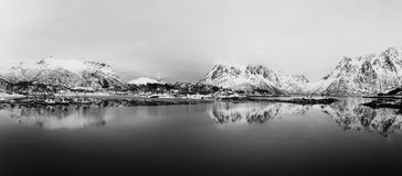 Het meer van de winternoorwegen Stock Afbeelding
