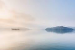 Het Meer van de zonmaan Stock Foto's