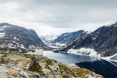 Het meer van Djupvatnet, Noorwegen Royalty-vrije Stock Afbeeldingen