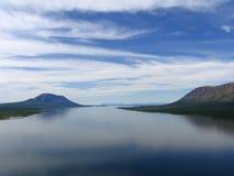 Het meer van Glubokoe Stock Afbeeldingen
