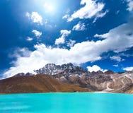 Het Meer van Gokyo in Nepal stock afbeelding