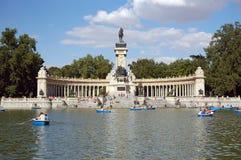 Het Meer van het Park van Retiro, Madrid Stock Afbeelding