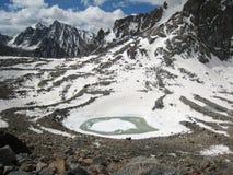Het meer van Kund van Gauri bij Onderstel. Kailash Stock Foto