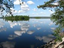 Het meer van Lososinnoe Stock Foto