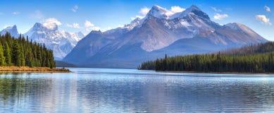 Het meer van Maligne Stock Foto