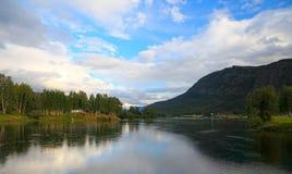 Het meer van Noorwegen. Stock Foto