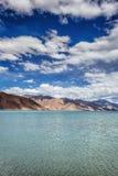 Het meer van Pangong Stock Afbeeldingen