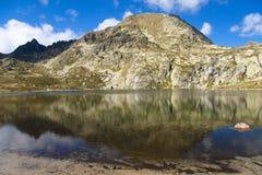 Het meer van Pedourres - Andorra, de Pyreneeën Stock Foto