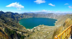 Het meer van Quilotoa stock fotografie