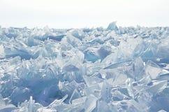 Het meer van Rusland, Baikal, ijsheuveltjes Royalty-vrije Stock Afbeelding
