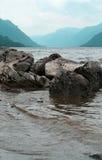 Het meer van Teletskoye. De Bergen van Altai Royalty-vrije Stock Foto