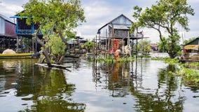 Het Meer van het Tonlesap, dorp stock foto