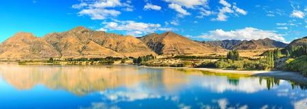 Het meer van Wanaka stock afbeeldingen