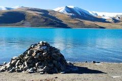Het Meer van Yamdrok in Tibet Stock Afbeelding