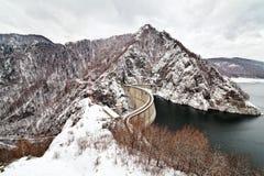 Het meer Vidraru van de versperring stock afbeelding