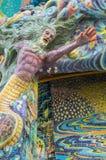 Het meerminbeeldhouwwerk werd verfraaid met verglaasde tegel Stock Afbeeldingen