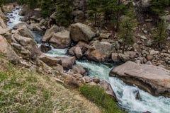 Het meeslepende water van de stroomrivier door Elf Mijlcanion Colorado royalty-vrije stock afbeeldingen