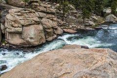 Het meeslepende water van de stroomrivier door Elf Mijlcanion Colorado royalty-vrije stock afbeelding