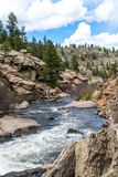 Het meeslepende water van de stroomrivier door Elf Mijlcanion Colorado royalty-vrije stock foto