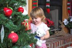 Het Meisje & Kerstmis van de baby stock afbeelding