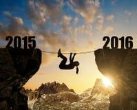 Het meisje beklimt in het Nieuwjaar 2016 Stock Afbeeldingen