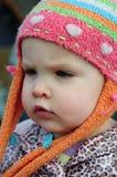 Het meisje in de hoed Stock Afbeeldingen