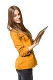 Het meisje die van de tiener tabletcomputer met behulp van. Stock Fotografie