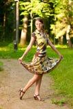 Het meisje doet pirouette Stock Fotografie