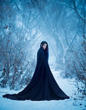 Het meisje een demon loopt alleen royalty-vrije stock foto