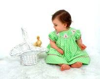 Het Meisje en de Eend van de baby Royalty-vrije Stock Foto