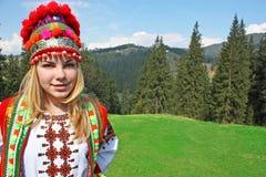Het meisje in het Oekraïense kostuum Royalty-vrije Stock Afbeelding