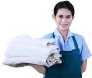 Het meisje houdt handdoeken 1 stock fotografie