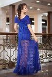 Het meisje, jong mooi meisje adverteert kleding Royalty-vrije Stock Foto's