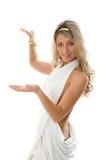 Het meisje kleedde zich als een Grieks het opheffen wapen. Royalty-vrije Stock Afbeeldingen