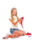 Het meisje maakt een gift_2 Royalty-vrije Stock Fotografie