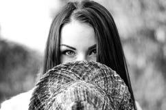 Het meisje met de hoed Stock Foto's