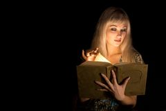 Het meisje met het boek Stock Fotografie