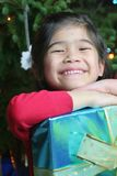 Het meisje met Kerstmis stelt voor Royalty-vrije Stock Foto