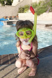 Het meisje met masker en snorkelt Royalty-vrije Stock Afbeelding