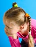 Het meisje met twee vlechten stock fotografie